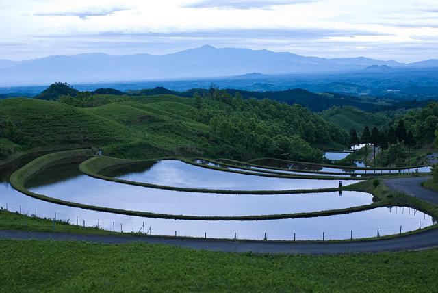 産山の扇田